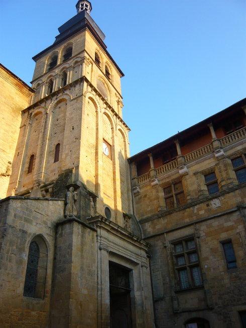 Dordogne 26 septembre 2009 soir e sarlat ma vie en for Dans ma ville on traine